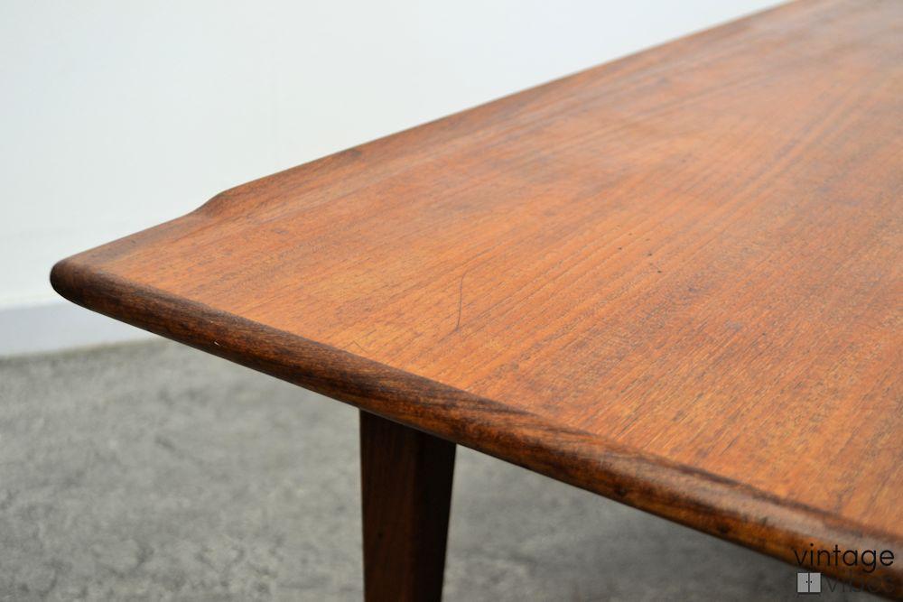 Vintage teak salontafel (detail)