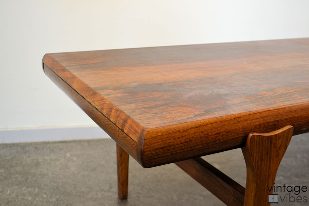 Danish Modern Coffee Table by Johannes Andersen - detail side and top