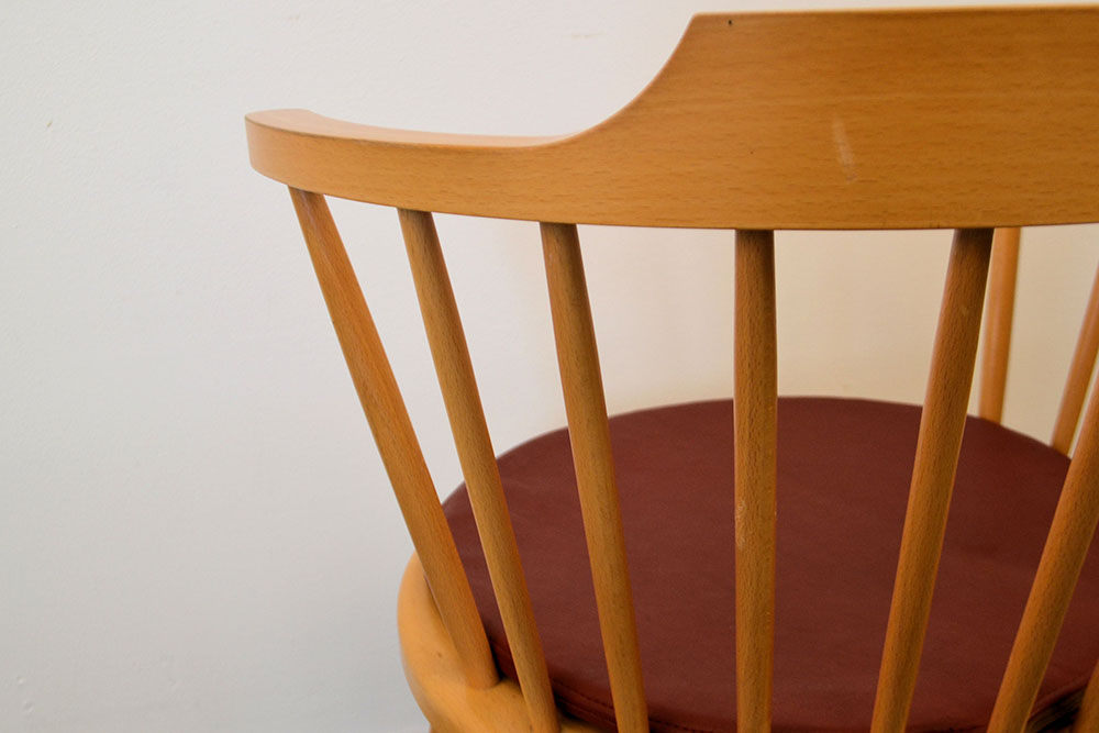 Danish modern Dining Chairs by Børge Mogensen - detail backrest