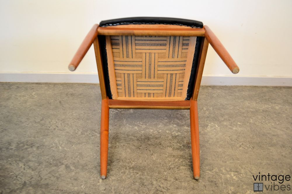Danish Modern Kai Kristiansen Model #31 Dining Chairs - bottom