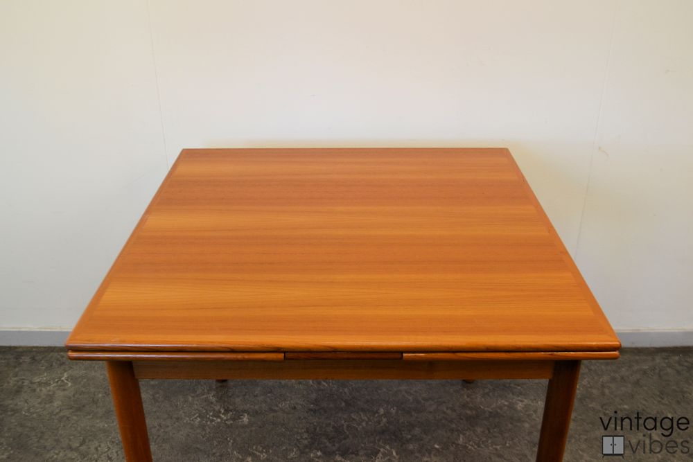 Danish Modern Teak Dining Table -detail top