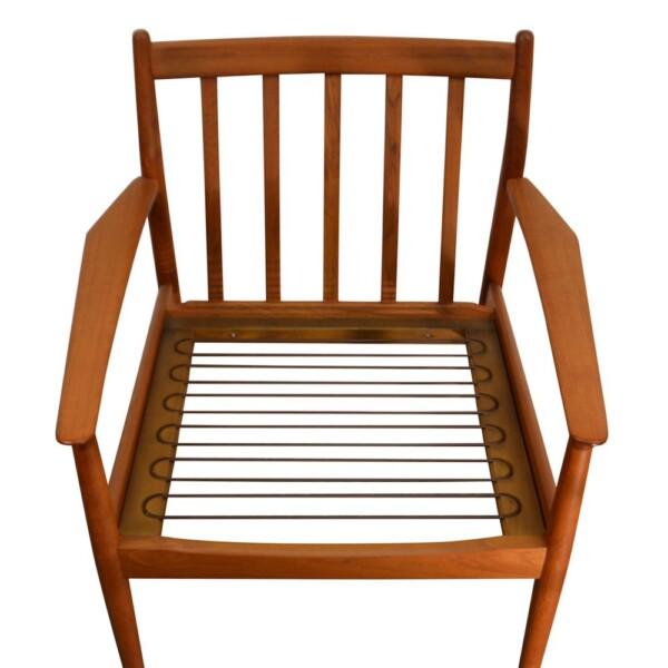 Vintage Grete Jalk teak fauteuil (detail)
