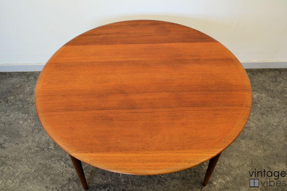 Danish Modern Peter Hvidt & Orla Mølgaard Coffee Table - top