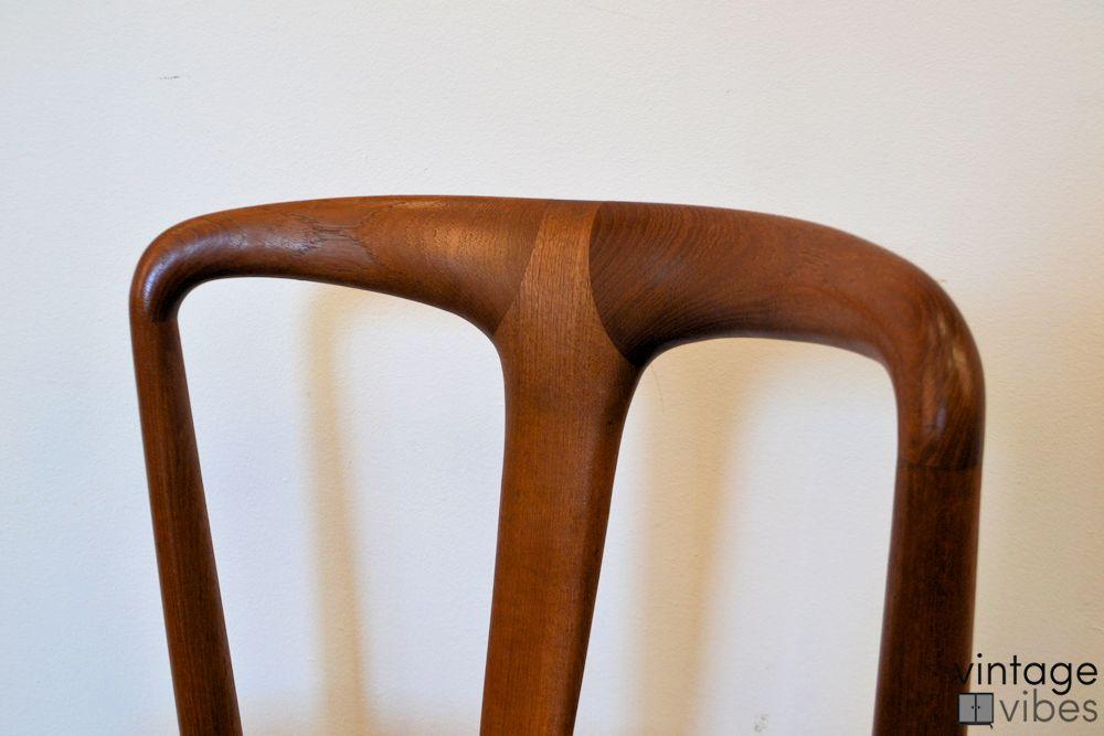"""Johannes Andersen """"Juliane"""" teak stoel (detail)"""