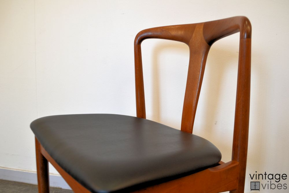 Danish Modern Johannes Andersen Dining Chairs - detail seat and backrest