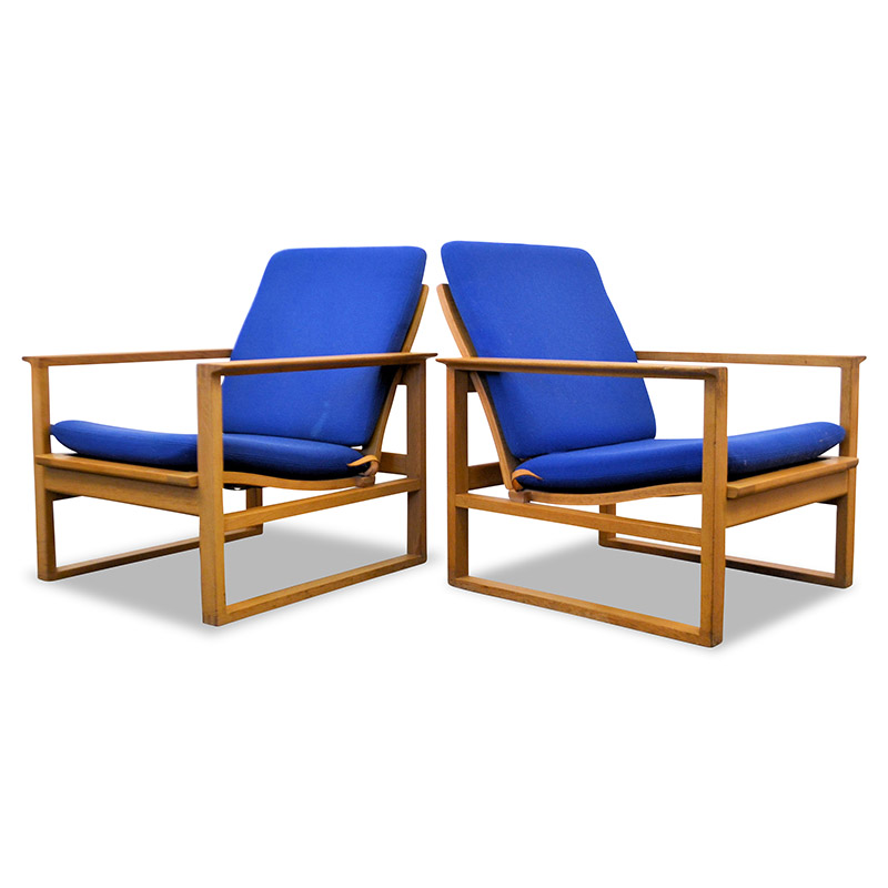 Danish Modern Børge Mogensen Model 2256 Lounge Chairs