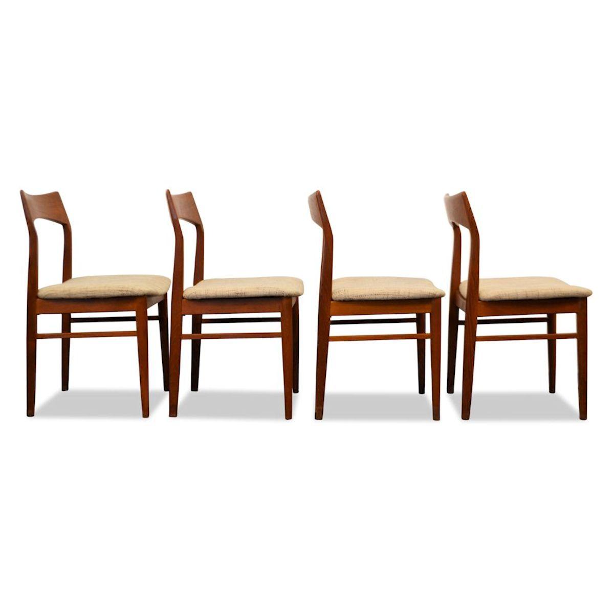 Vintage henning kjaernulf teak stoelen 4 vintage vibes for Vintage stoelen
