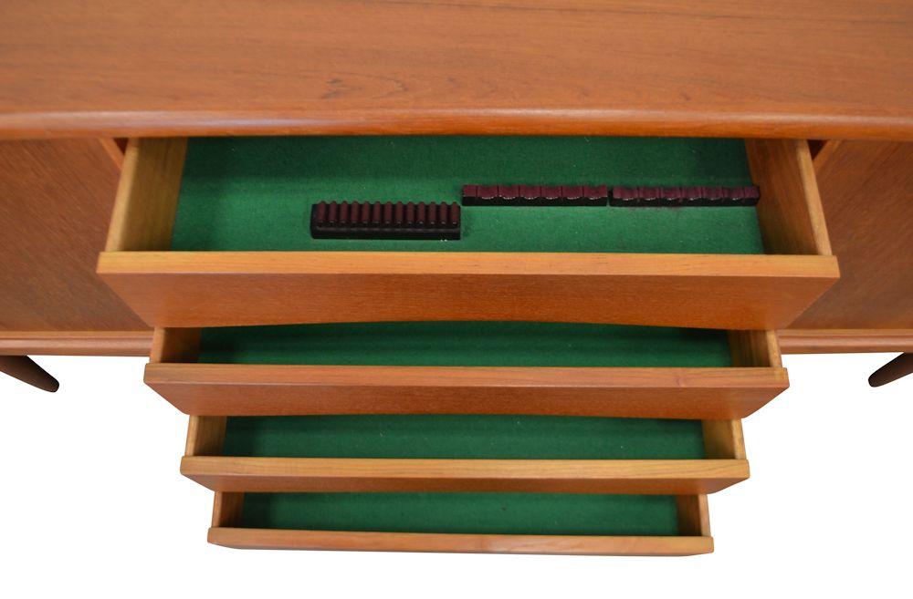 dressoir24gTeak Gunni Omann Jr. Sideboard - drawers open