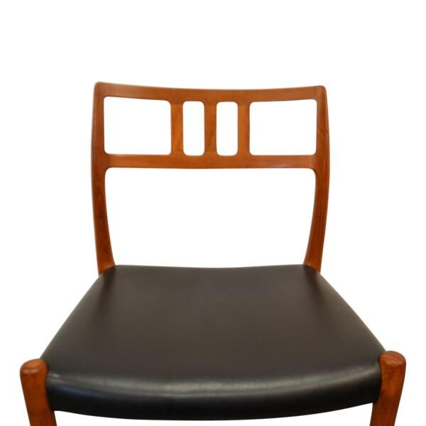 Vintage teak Niels O. Møller, mod.79 stoelen (detail)