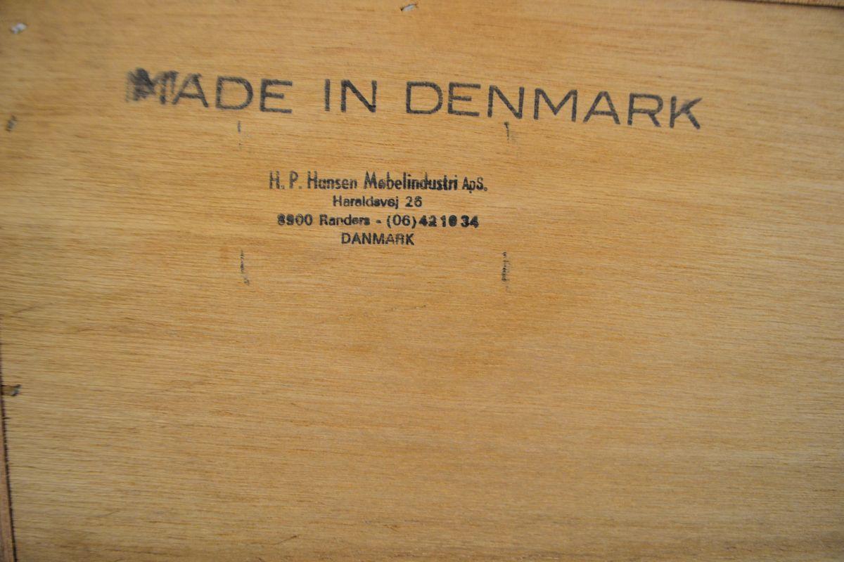 Vintage Deens design H.P. Hansen teak dressior