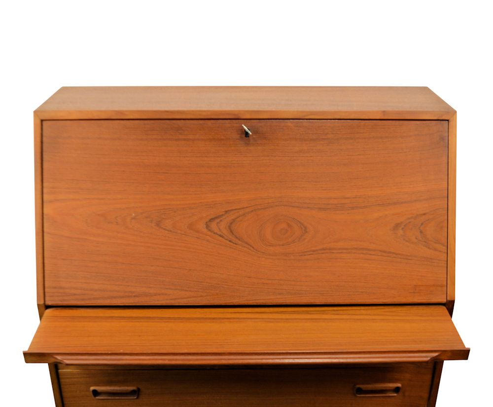 Vintage Arne Wahl Iversen Cabinet Desk Model 68 - closed