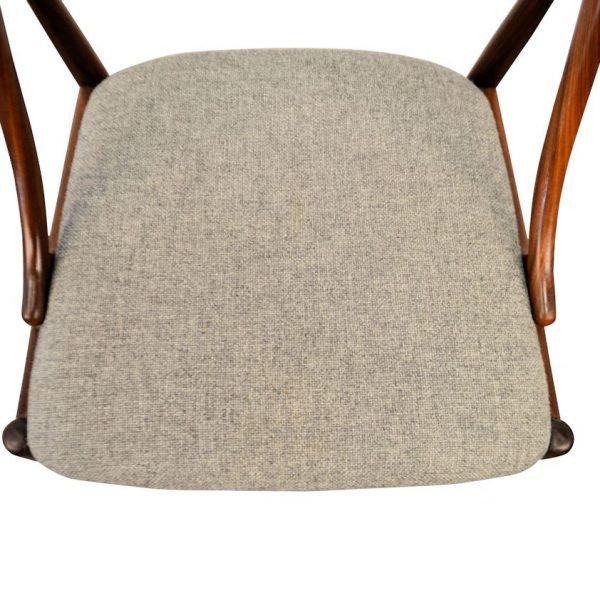 Johannes Andersen teak stoelen (detail)