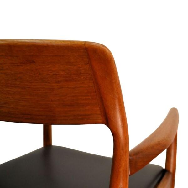 Vintage Deens design teak armleuning stoel (detail)