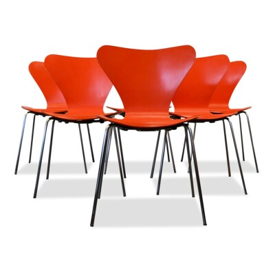 Arne Jacobsen model 3107 stoelen