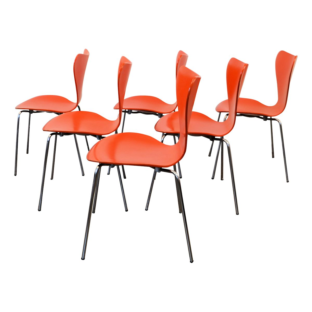 Model 3107 Butterfly Chairs by Arne Jacobsen - side