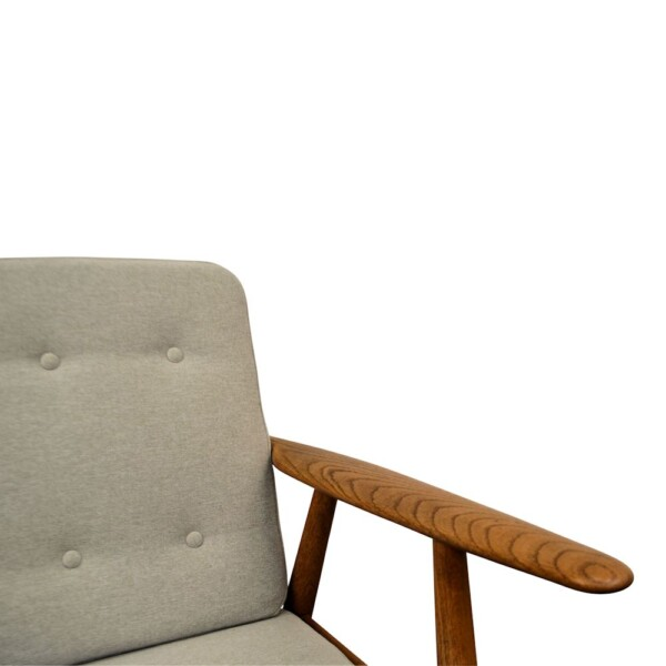 "Hans J. Wegner Lounge Chair Model GE-240 ""Cigar"" - detail"