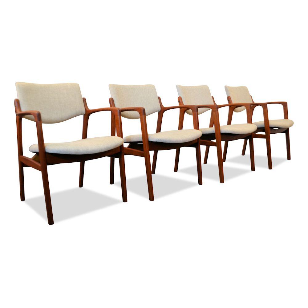 Vintage Design Eetkamerstoelen.Vintage Teak Armrest Chairs By Finn Haugaard