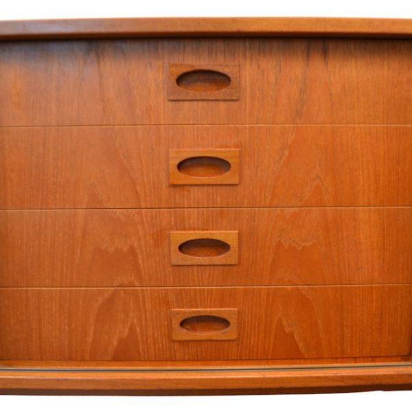Vintage Deens design Mogens Kold dressoir (detail)