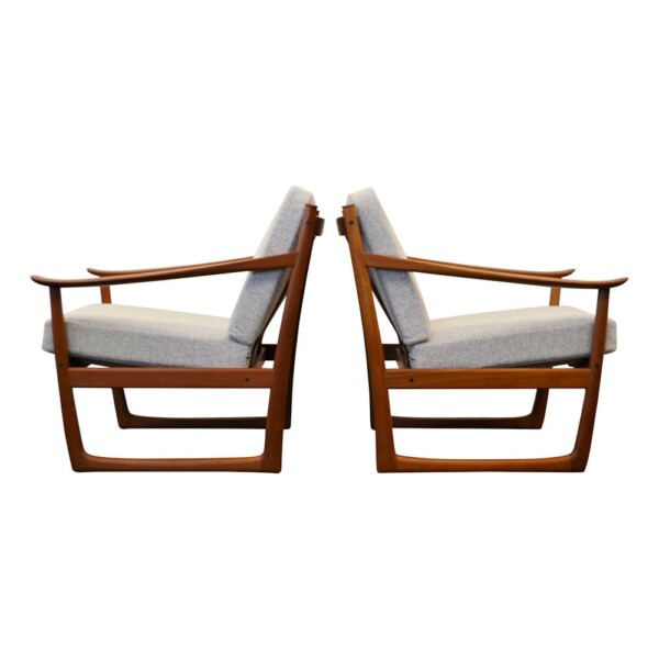 Peter Hvidt & Orla Mølgaard Nielsen FD-130 Lounge Chairs - side
