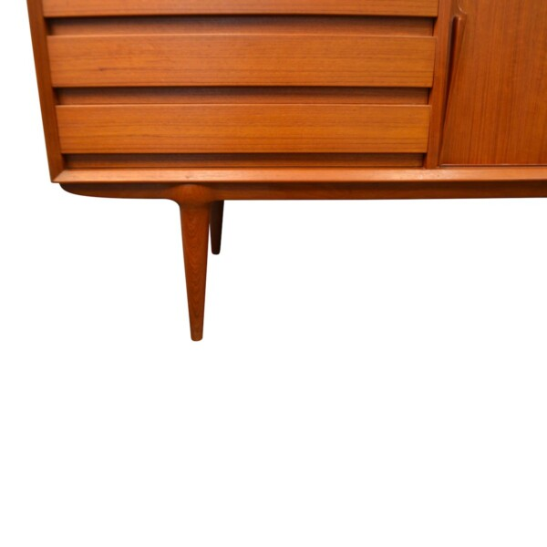 Gunni Omann model 18 teak sideboard - detail