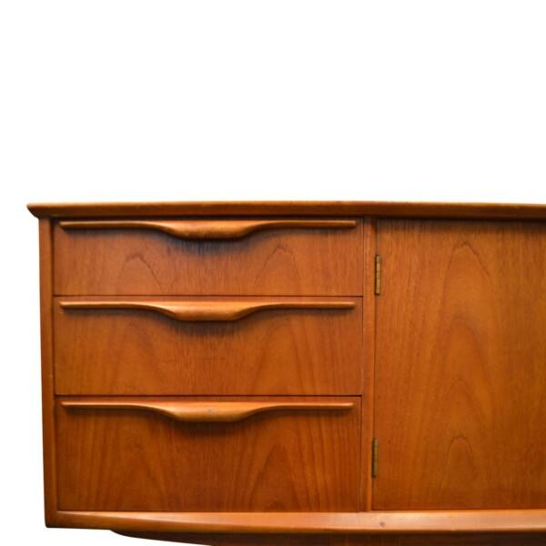 Vintage McIntosh stijl teak dressoir (detail)