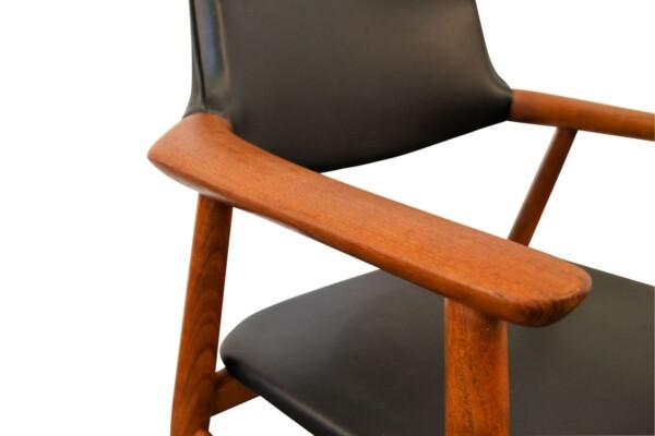 Vintage Teak Svend Aage Eriksen Dining Chairs - armrest