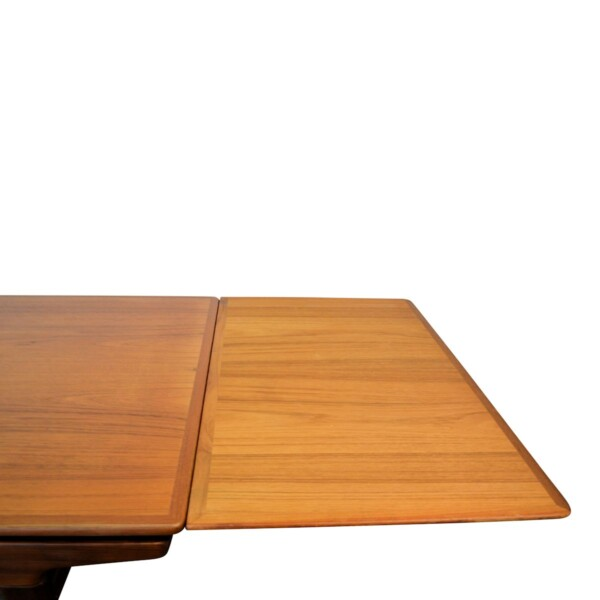 Vintage Teak Dining Table by Johannes Andersen - detail extension
