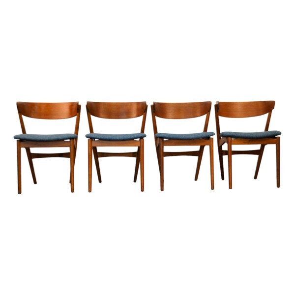 Vintage Teak Helge Sibast Model no. 7 Dining Chairs - front