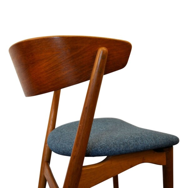 Vintage Teak Helge Sibast Model no. 7 Dining Chairs - detail