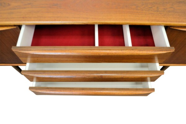 Vintage Deense stijl teak dressoir