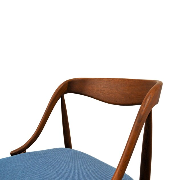 Vintage Teak Dining Chairs by Johannes Andersen - detail backrest