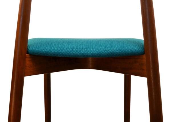 Vintage Harry Østergaard teak stoel (detail)