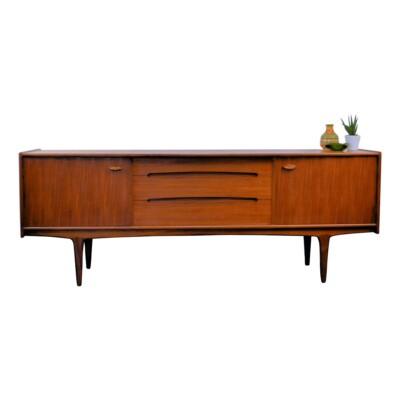 Midcentury modern Younger teak dressoir