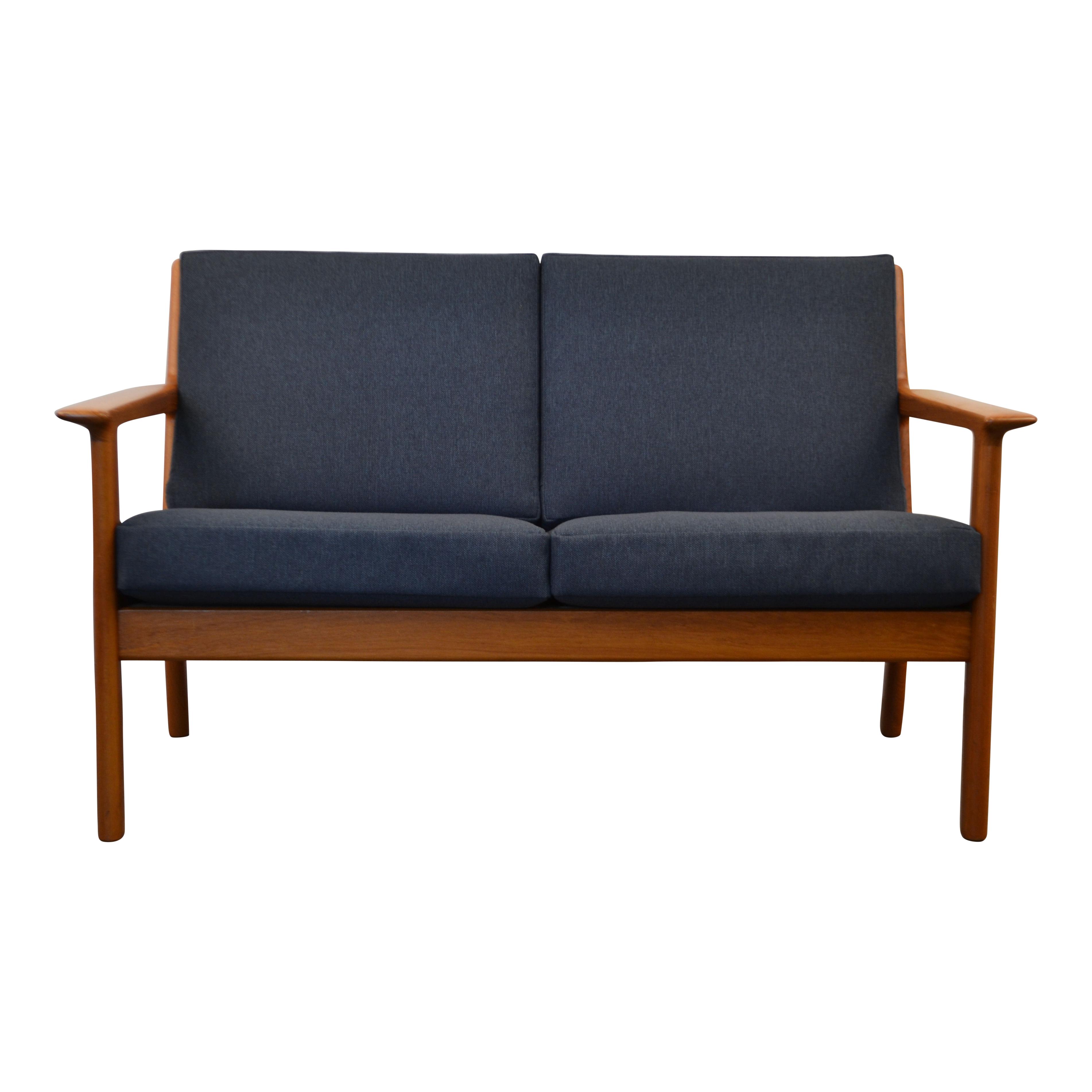 Hans J Wegner Ge 265 Two Seater Sofa